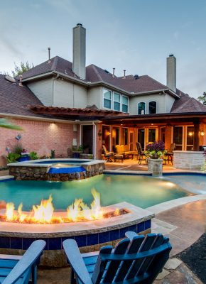 pool-features-that-add-value-to-the-home
